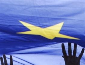 Téves számlázás uniós beszerzéskor: kell-e önellenőrzést benyújtani?