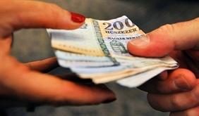 Eltűnt a dolgozó az ebédpénzzel, vissza lehet tartani a bérét?